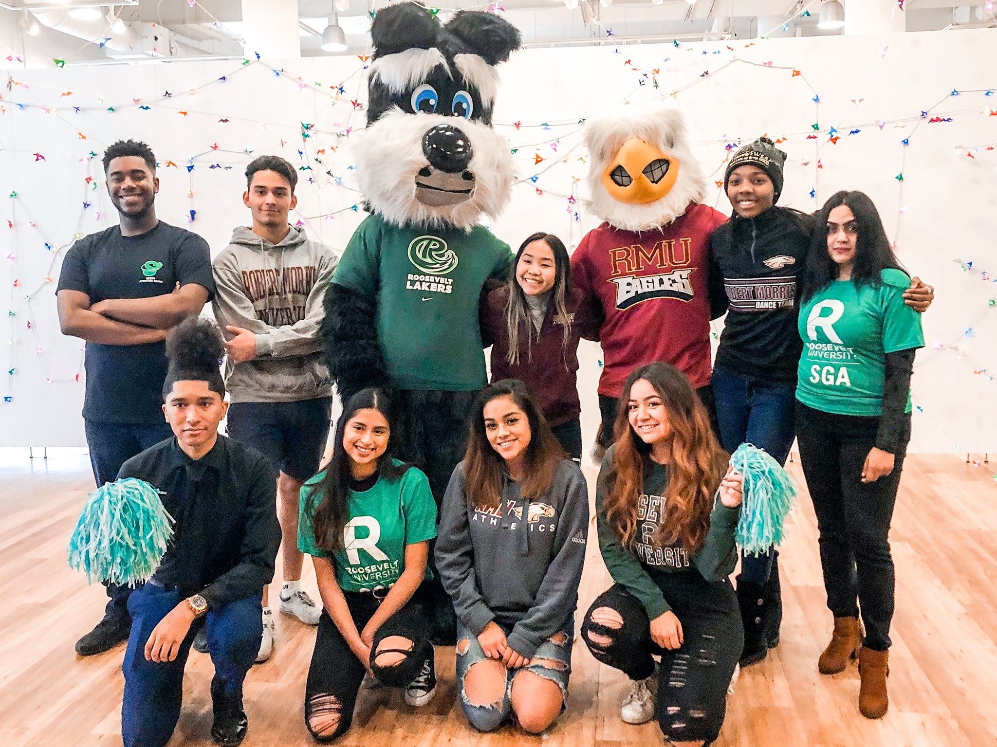 Group of students with Fala and RMUI mascot